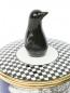Свеча в фарфоровом подсвечнике  с декоративной фигуркой пингвина на крышке Ginori 1735  –  Деталь