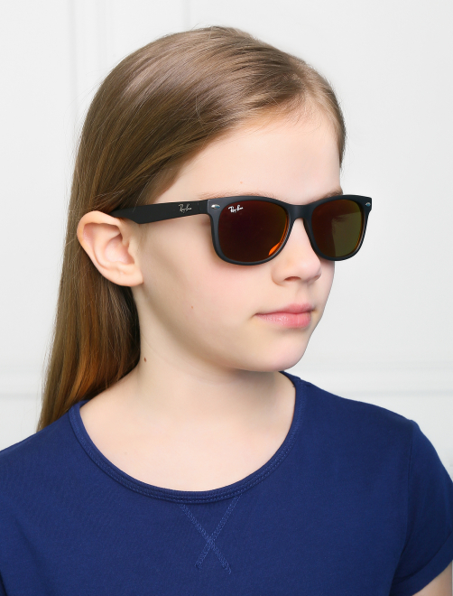 Солнцезащитные очки в пластиковой оправе Ray Ban - Общий вид