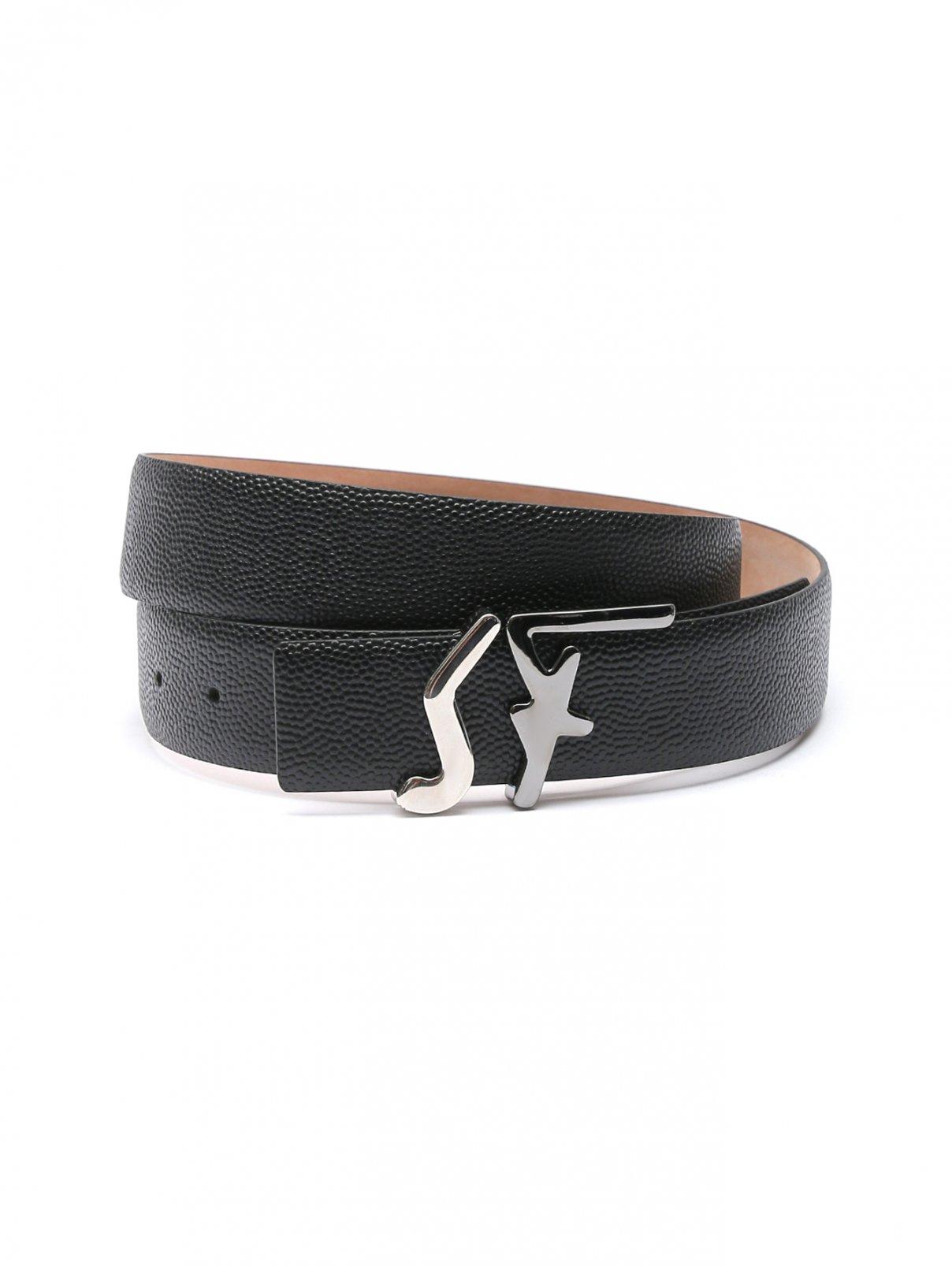 Кожаный ремень с пряжкой - логотипом Salvatore Ferragamo  –  Общий вид