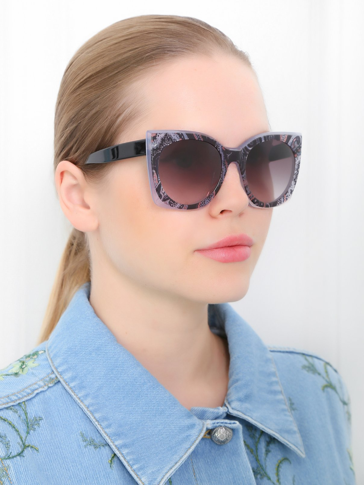 Солнцезащитные очки в пластиковой оправе с узором Etro  –  Модель Общий вид